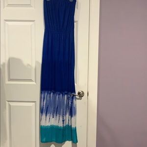 Blue tie dye strapless maxi dress